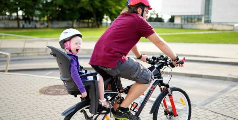 1490cc2a152 This type is ideal for longer bike rides and accommodates youngsters ages 9  months to 6 years or up to 48 pounds. It's installed on the bike's frame,  ...